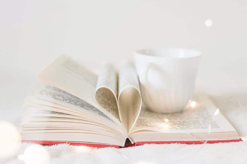 Bien dormir - un livre et une tisane