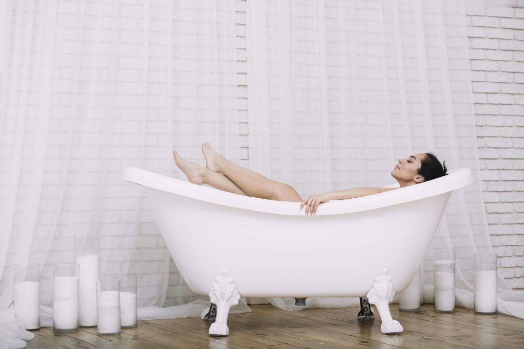 Temps pour soi - femme - prendre un bain