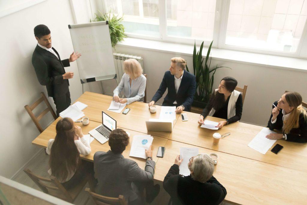 Trop de réunions de travail : une perte de temps
