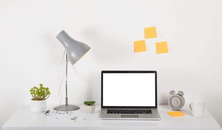 Retour au travail après les vacances - organiser son bureau et prioriser