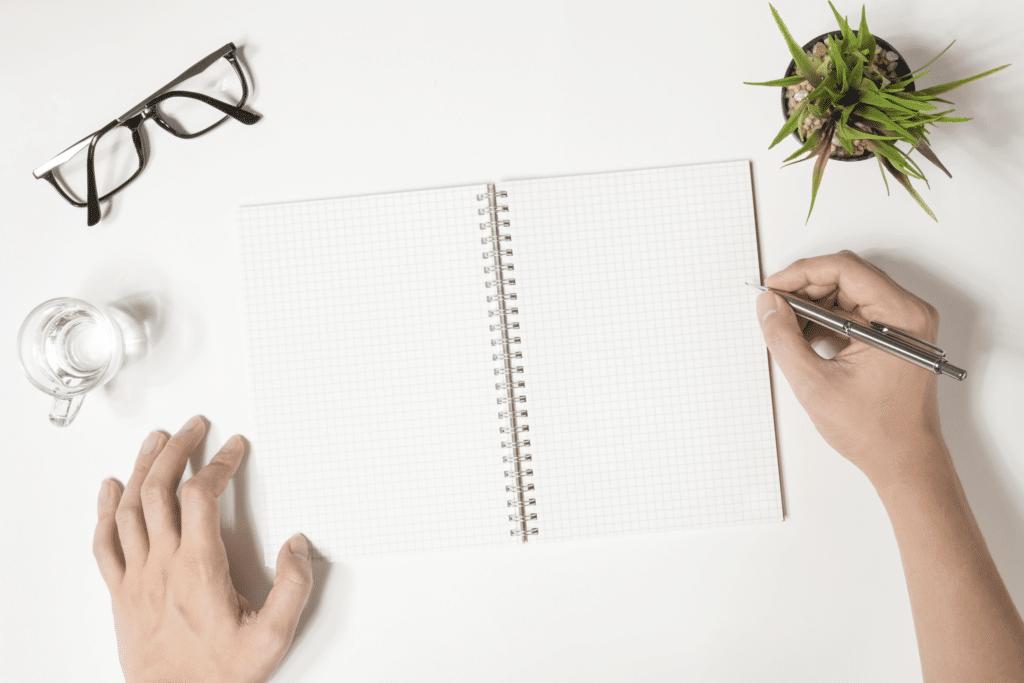 Bilan de la journée - Noter sur un carnet ses priorités