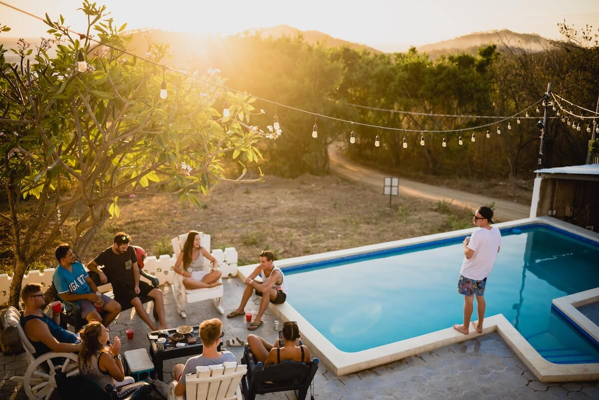 Idée pour soirée d'été : un barbecue entre amis