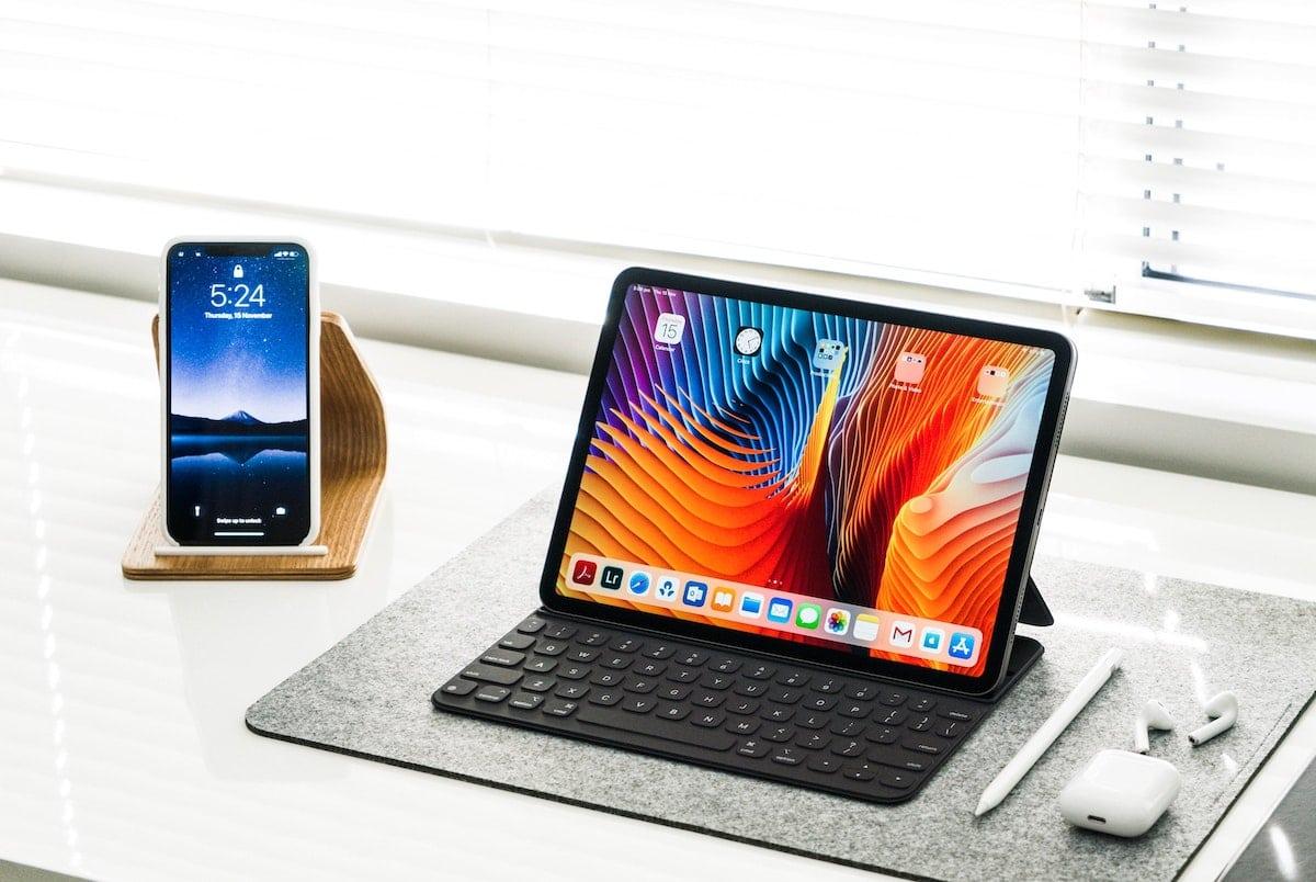 Téléphone, tablette et accessoires de bureau